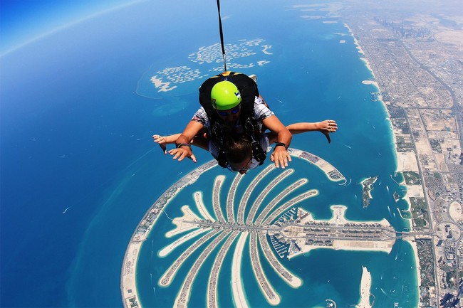 Get Jaw Dropping Places For Skydiving