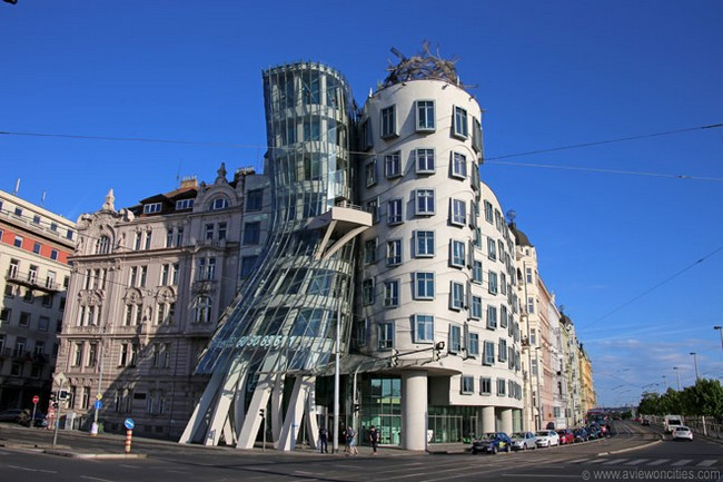 Make Strangest Building In The World
